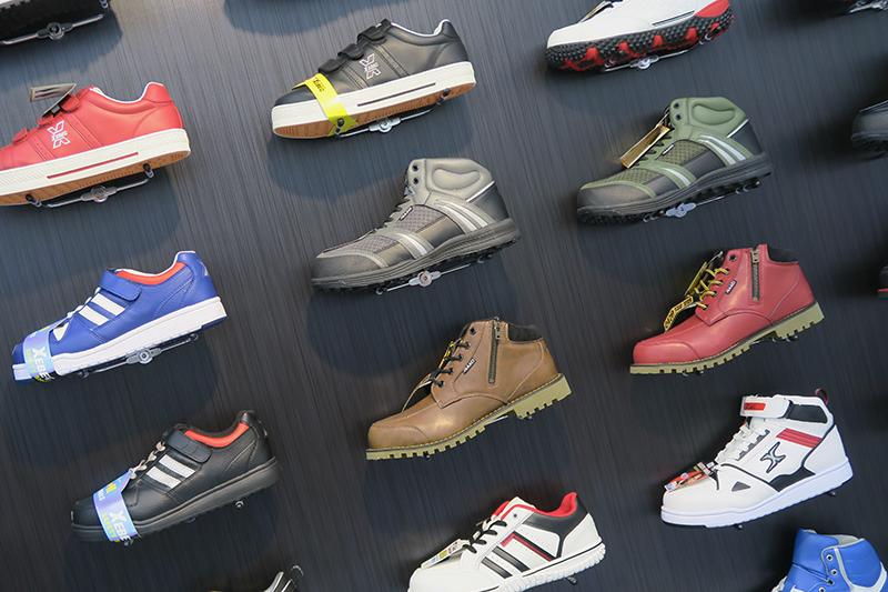 ジーベックのおしゃれな安全靴