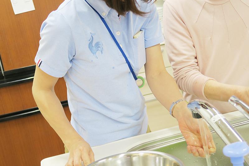 洗い物_水しぶき_up2