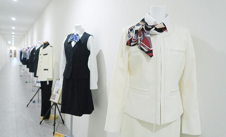 事務服コレクションの様子4