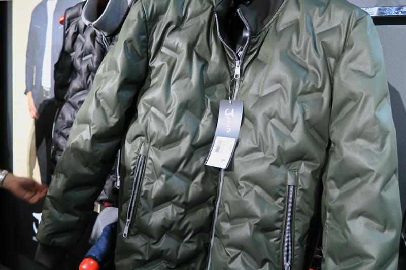 新庄剛志が着る自重堂・Jawinの最新防寒服