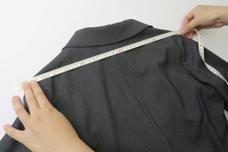 ジャケット肩幅